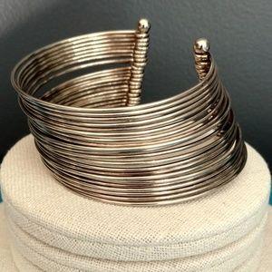 Jewelry - 22 silver wire cuff